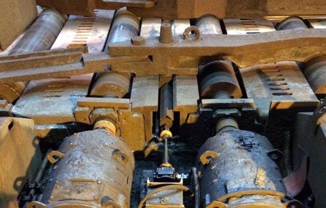 Heavy Duty Resolver Steel Mill Crop Shear Guide image